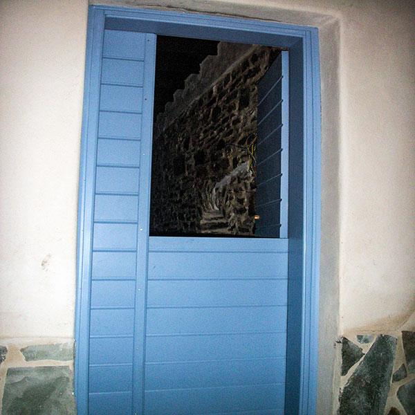 DOOR No 9